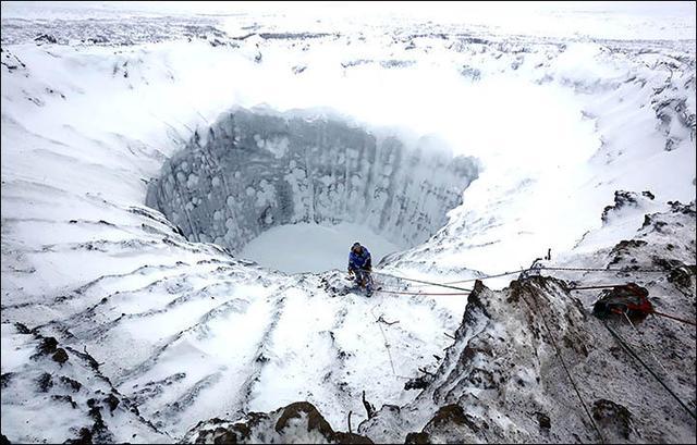 """西伯利亚""""末日天坑""""如冰封地狱"""