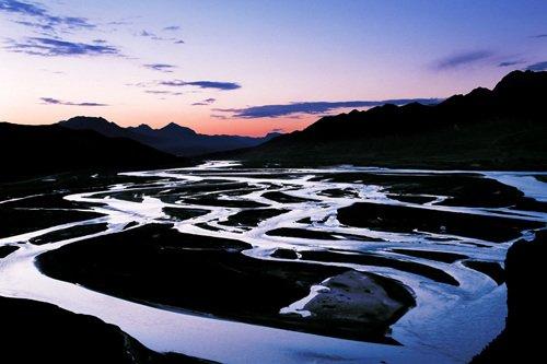 高原湿地生命美丽却脆弱 人祸破坏力甚于天灾
