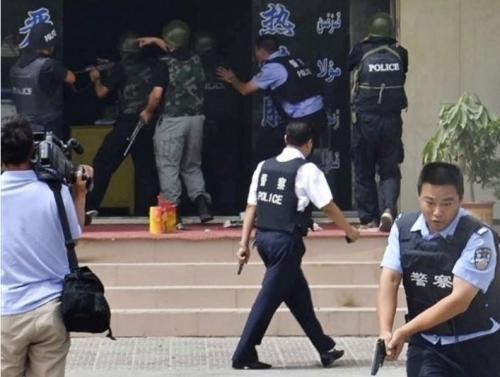 中方 美国就新疆巴楚恐怖事件表态 无同情心