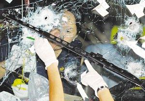 中方强烈谴责凶手棺木覆国旗 国人海外安全堪忧