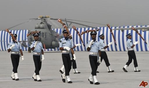 印度空军建军节展示战机 万国造 堪比航展图片