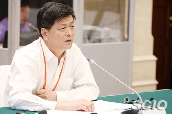 新疆日报社原党委书记被双开 曾妄议中央决策
