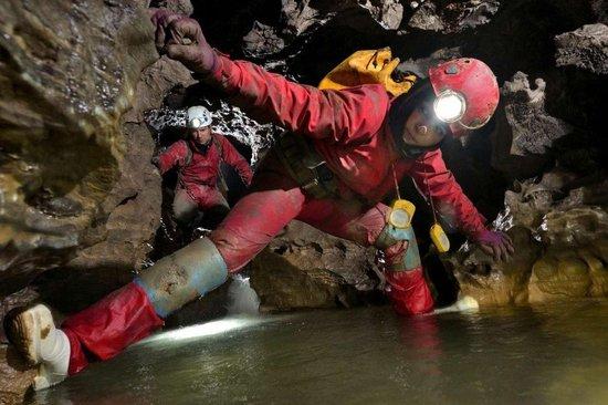 美国探险家在中国重庆发现巨大洞穴(组图)_新闻_腾讯网 - 有领无袖 - 有领无袖的行宫
