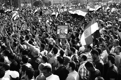 埃及民众抗议对穆巴拉克处罚太轻 要求判其死刑