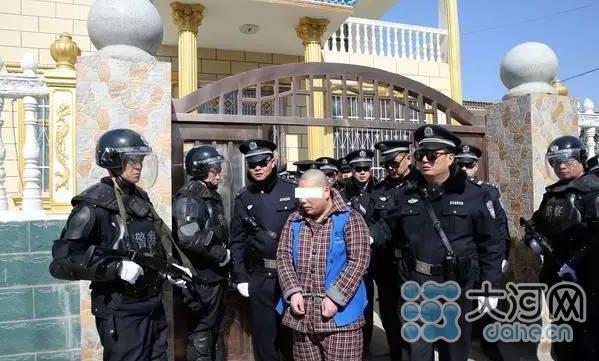 驻马店警方抓获166名冒充军人诈骗犯 追赃150万
