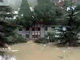 泥石流淹没城镇建筑