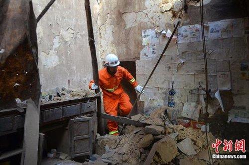 云南彝良地震已致80人遇难 温家宝现场指导救灾