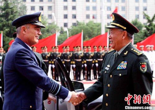 希腊突然重组军队高层 总司令及总参谋长遭解职