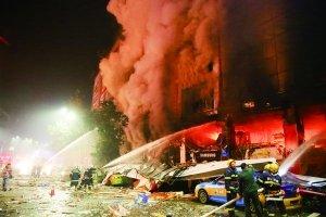 四川泸州商场爆燃4人遇难 影院观众以为是3D效果