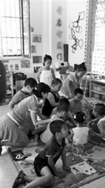 幼儿园私自给孩子拍高价写真 老师或有回扣(图)