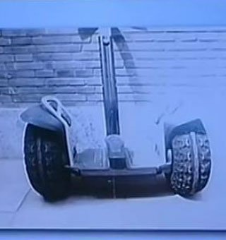 济南中院:薄瓜瓜将电动平衡车借给朋友周杰