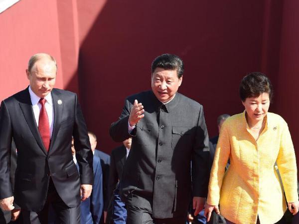 韩媒评朴槿惠出席中国大阅兵:小孩懂事了