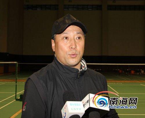 中国羽毛球青年队陵水冬训 李永波大赞训练基地