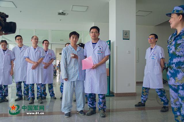 南沙永暑礁医院成功实施首例断指再植手术