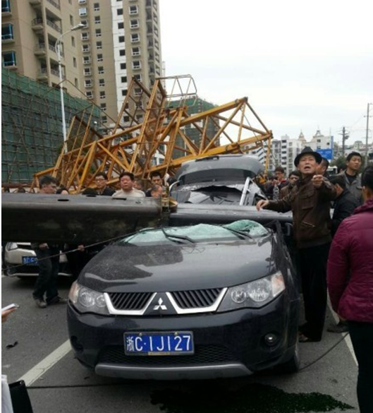 温州车环�y�!�m_温州市区一塔吊倒塌 多车被压