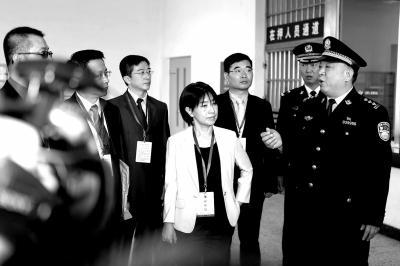 """台湾代表团前往看守所""""探望""""电信诈骗嫌疑人"""