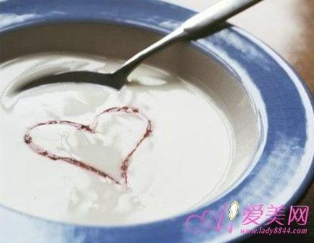 养生须知:酸奶好处多 早中晚时间不同功效不同