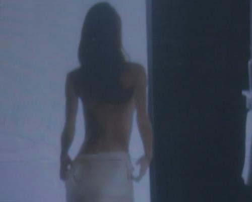 3D裸浴表演现青岛步行街 尺度太大引争议(图)