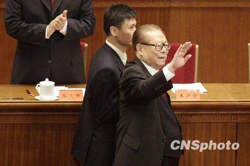 领导人退休生活:李鹏勤写日记朱镕基倾心京戏