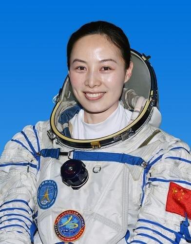 航天员训练中心回应王亚平年龄:1980年1月出生