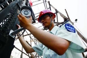 北京消防车高考期间只亮警灯不鸣警笛