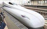 """日本发布""""超长脸""""新干线列车,配有电池,停电也能跑"""