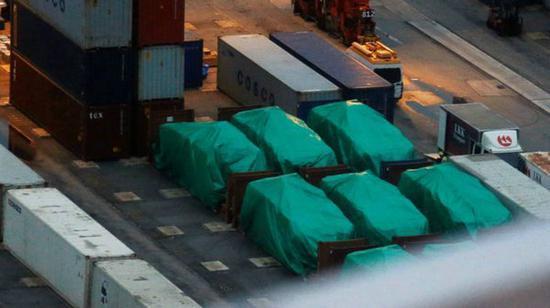 新加坡防长:李显龙致函梁振英索要被扣装甲车
