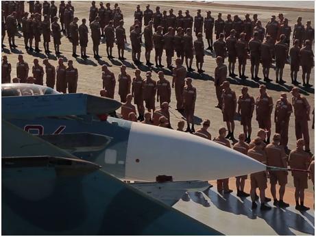 随军记者讲述俄航母赴叙之路:准备对挑衅舰机开火