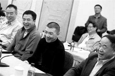 明星上两会积极讨论 赵本山:我永远是草根(图)