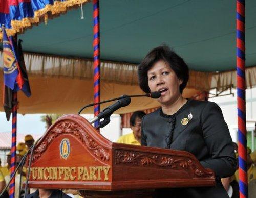 柬埔寨公主当选奉辛比克党主席 将参加首相选举