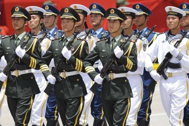解放军三军仪仗队亮相委内瑞拉独立庆典  7月5日,中国人民解放军三