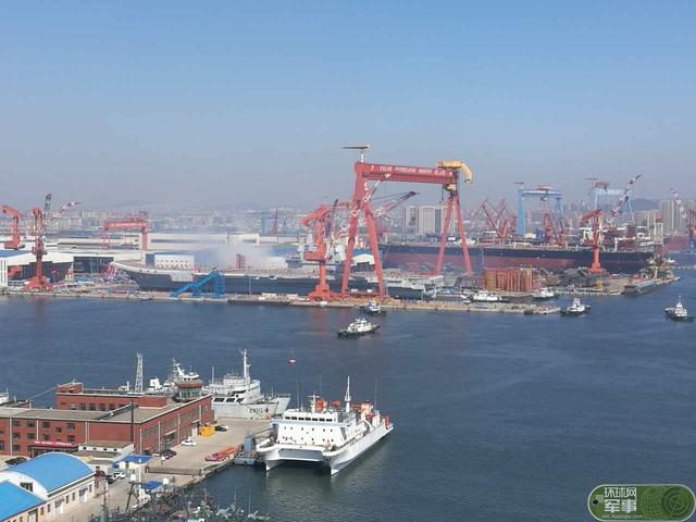中国航母下水 日网友冒酸水:日本80年前造了很多