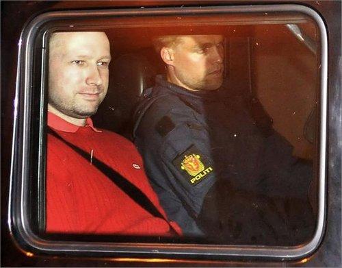 挪威法院判延押布雷维克8周 期间不得探访(图)