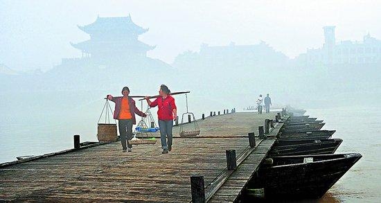 赣州:千年古浮桥