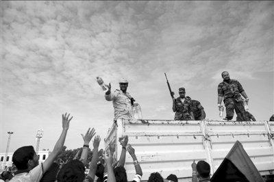 卡扎菲次子现身电视台称将进行报复(图)