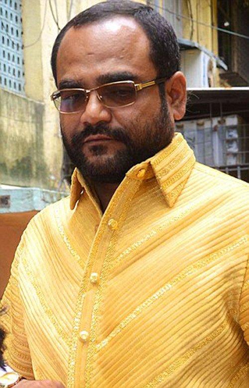 印度商人穿4公斤黄金打造纯金衬衫炫富_新闻_腾讯网 - 自由百姓 - 我的博客