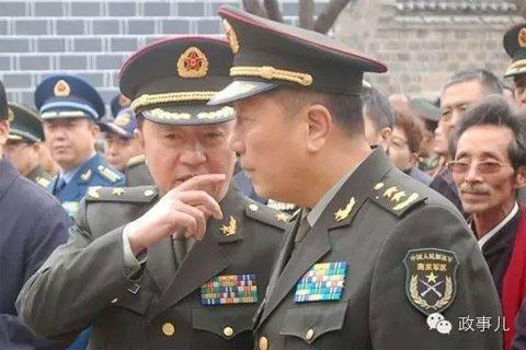 媒体揭秘将军兄弟档秦卫江和秦天的不寻常之处