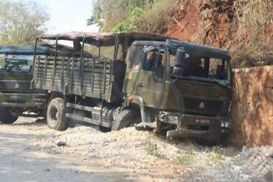 缅军与果敢军在老街地区交火不断 双方互有伤亡