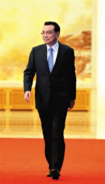 李克强:简政放权是割腕 忍痛也得下刀