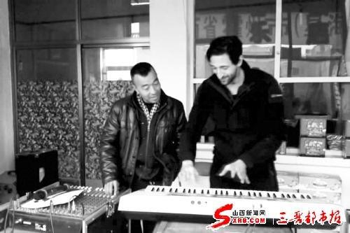 那位不知名的电子琴演奏者霍州市大张镇下乐坪村农民图片