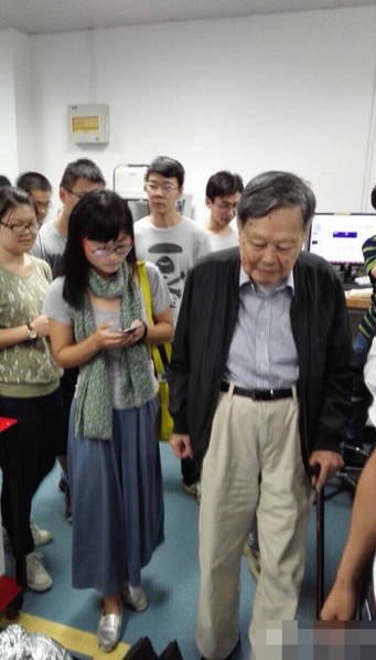 组图:93岁杨振宁偕39岁夫人回家乡合肥 - 海阔山遥 - .