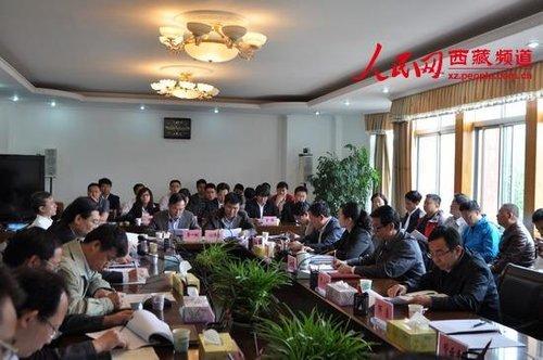 7月24日上午,清华大学西藏基层工作毕业生座谈会在拉萨召开。刘之爽 摄