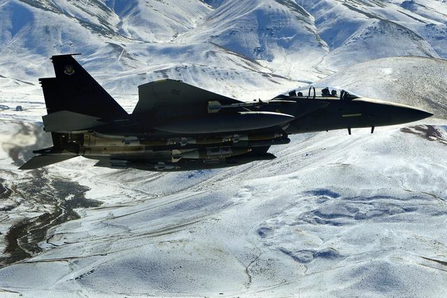 美军空袭阿富汗致16名平民身亡 原因正在调查