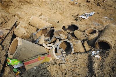 救援背后的枯井与村庄:地下水逐年下降 井越打越深