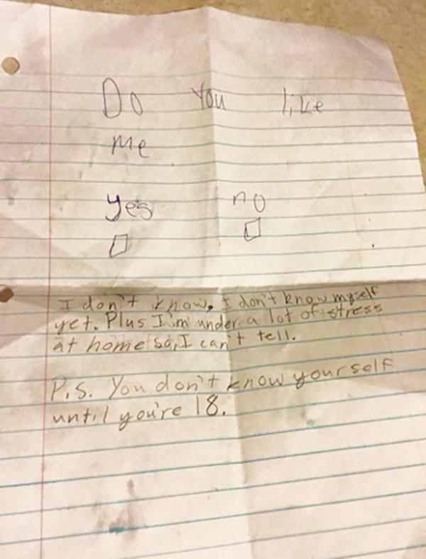 """11岁小女孩""""表白信""""被男孩""""KO""""。"""