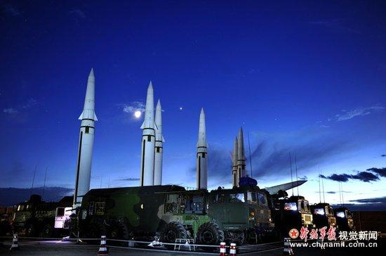 兰州军区列装远程火箭炮 可压制印度苏30基地(图)