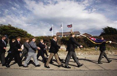 英阿两国均纪念马岛战争30年 英重申捍卫主权
