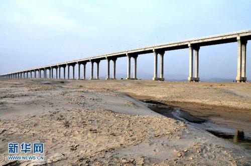 湖北十堰现严重旱情 受旱面积达270万亩