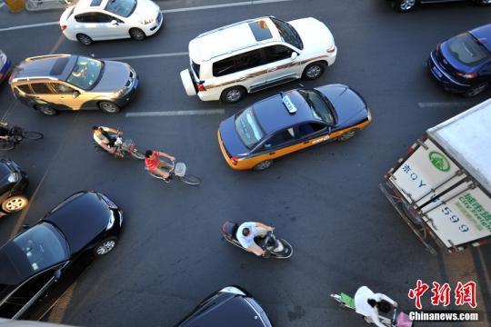 """驾照新规今起实施 这些""""干货""""值得司机关注"""