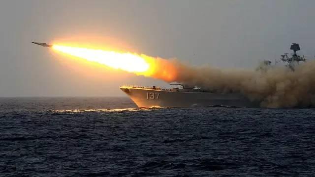 中国海军把大阅兵的武器先打了一遍